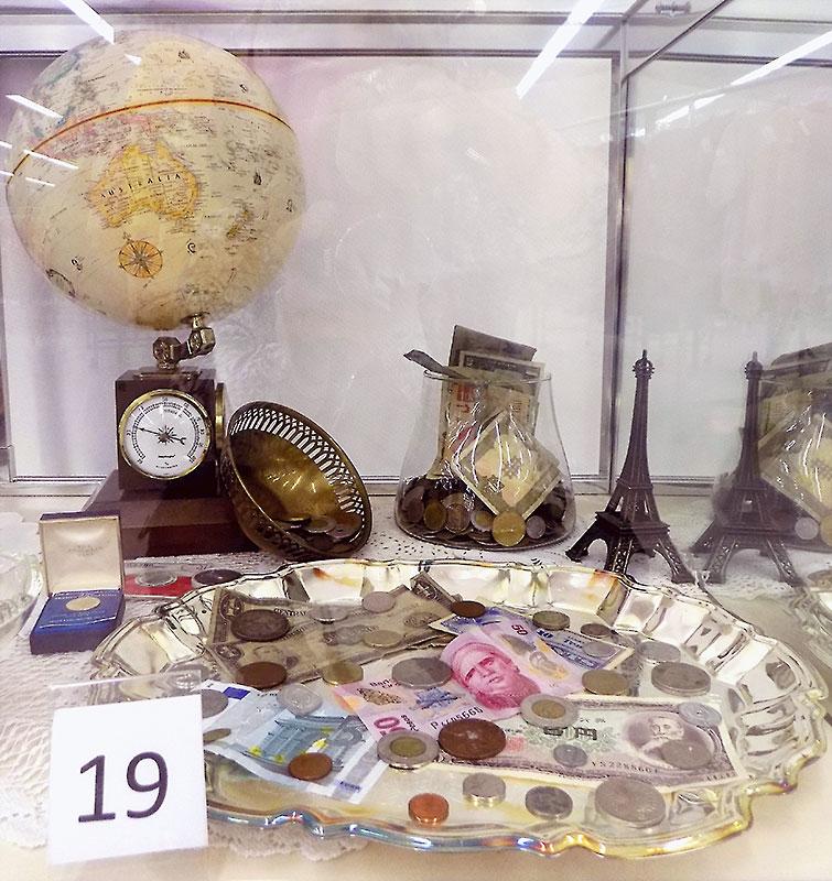 International world currency and theme memorabilia.
