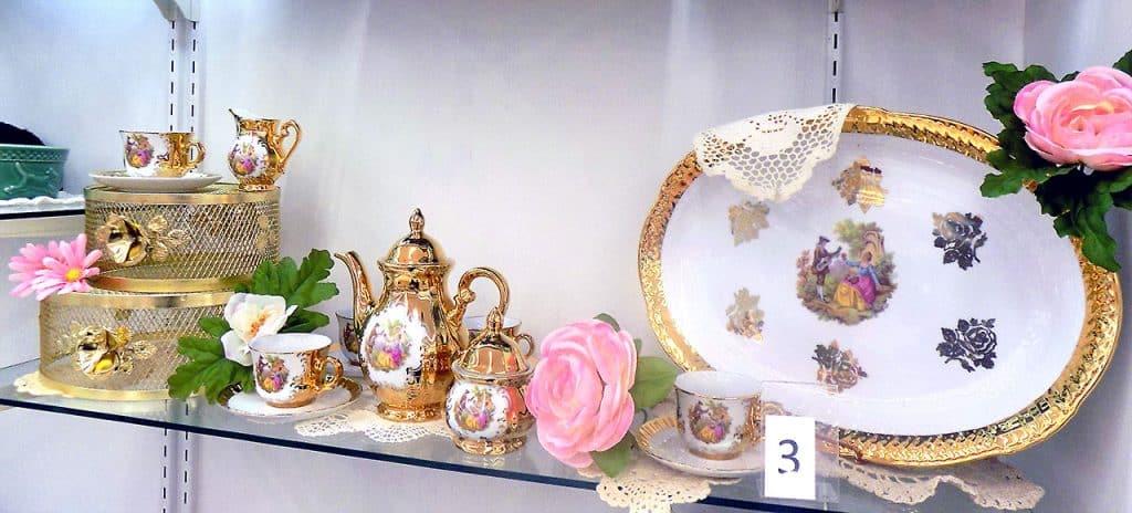 Bavaria Germany Handarbeit 22 karat gold tea set.
