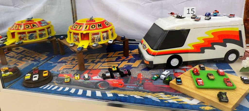 Micro machines super van city and assorted vehicles with case