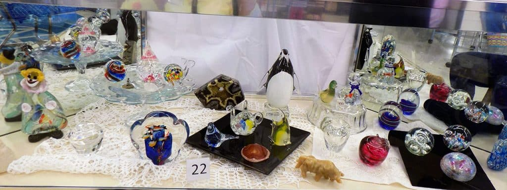 Breathtaking glass and stone paperweight lot