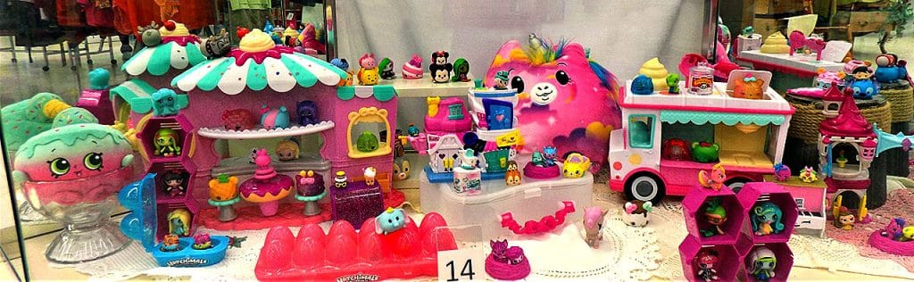 Pink Playtime Pals (num noms, Monster High Minis, Tsum Tsum and more).