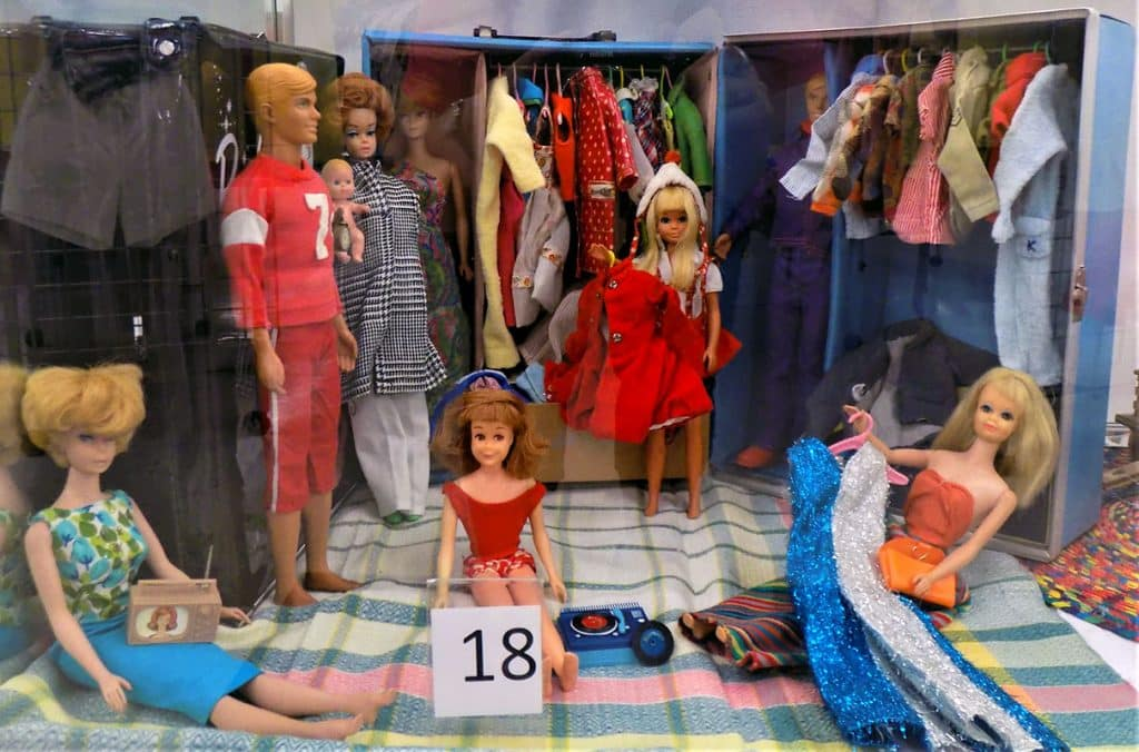 Vintage Barbie and Ken lot and wardrobe.