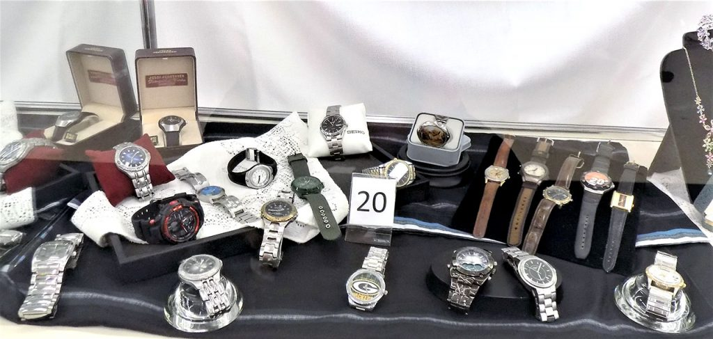 Miscellaneous watch assortment.