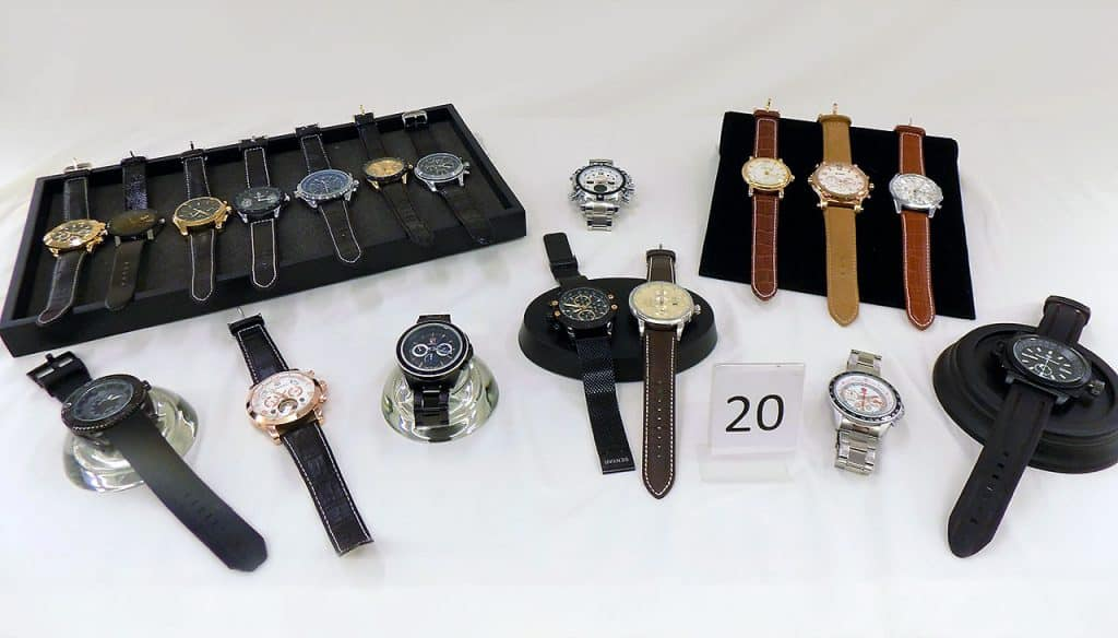 Miscellaneous men's watch collection.