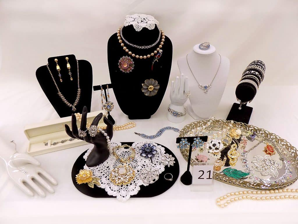 Women's Jewelry Assortment.