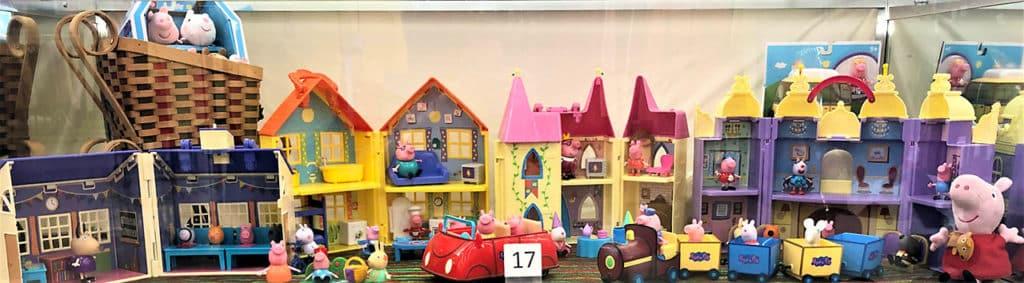 Peppa Pig toy lot.