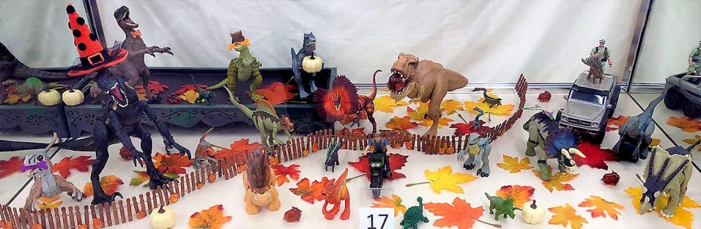 Jurassic Park dinosaur toy lot.