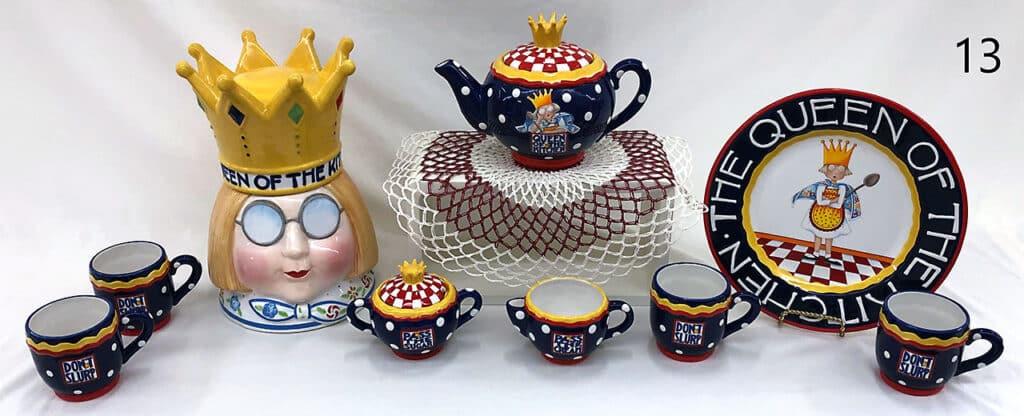 Queen tea set.